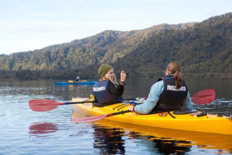 10 Mind-Blowing Kayaking Lakes in New Zealand