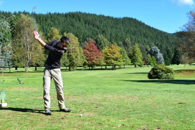 Playing Golf in Taupo (Wairakei Resort Golf Course) - Day 303, Part 1