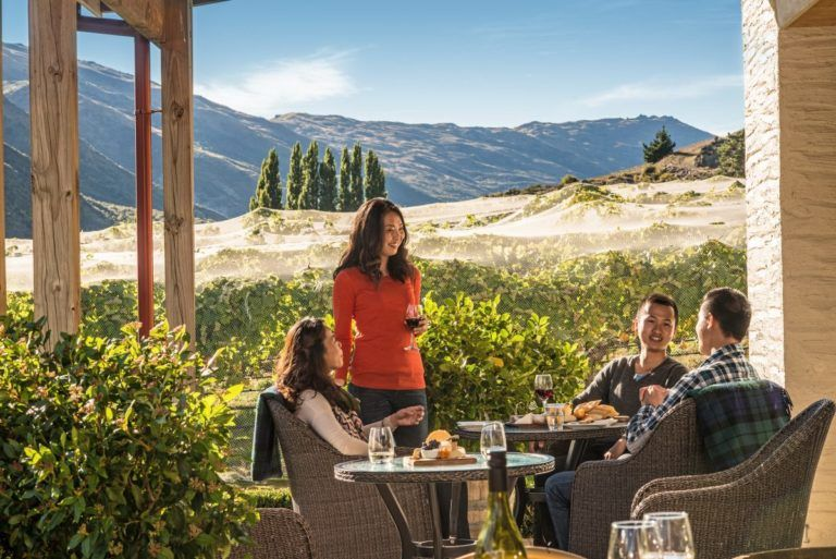 10 Wonderful Wineries in Queenstown