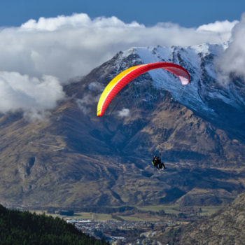 5 Breathtaking Places to Try Paragliding in New Zealand