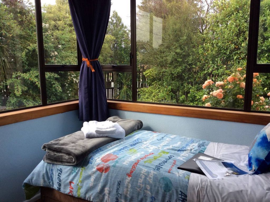 https://www.airbnb.co.nz/rooms/13226850?s=8YA8bCog