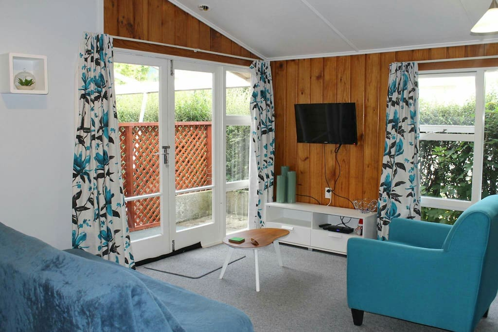 https://www.airbnb.co.nz/rooms/11015854?guests=1&adults=1&children=0&infants=0&s=FnM7Z02a