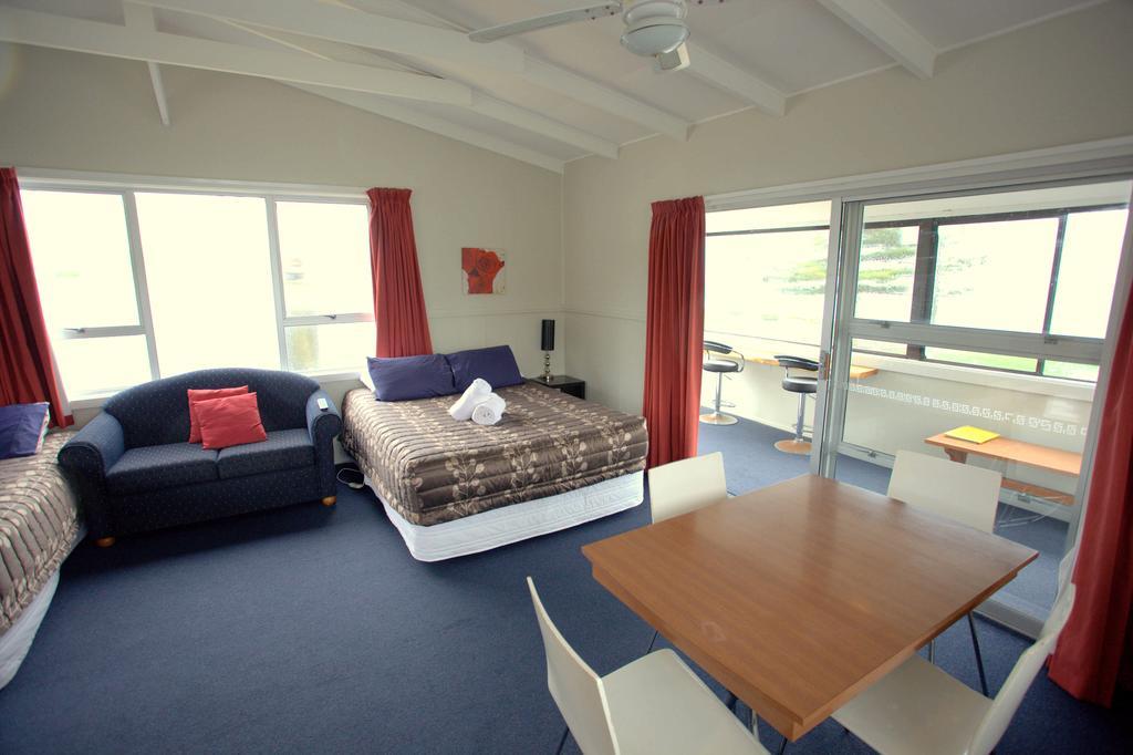 Seaview Motel