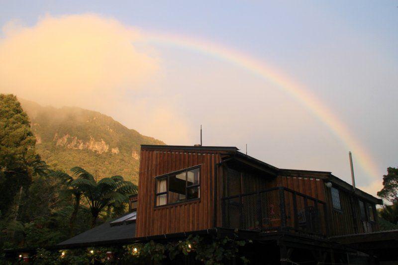 http://www.booking.com/hotel/nz/te-nikau-retreat.html?aid=1173682&no_rooms=1&group_adults=1