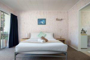 Roselands Motel