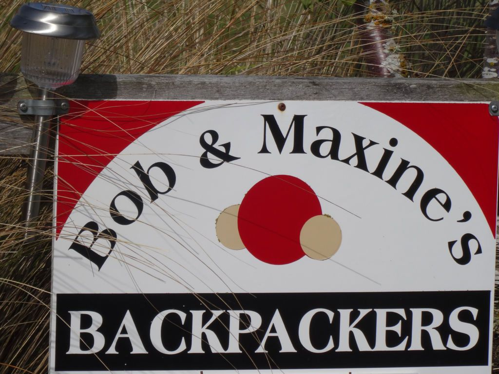Bob & Maxine's Backpackers