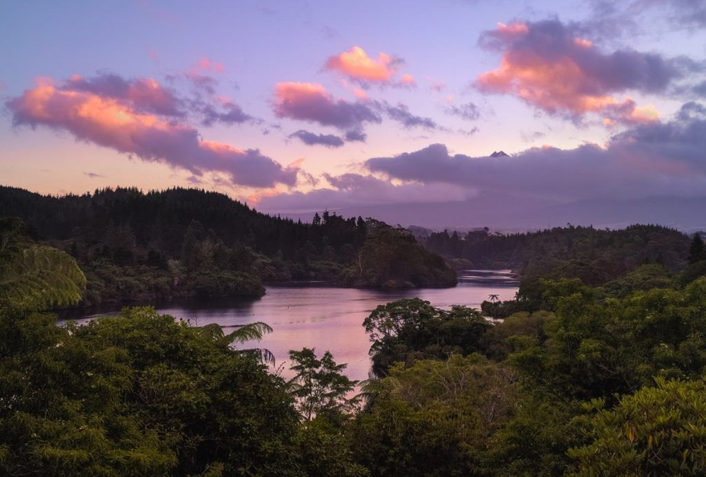 10 Romantic Activities in New Plymouth for Couples