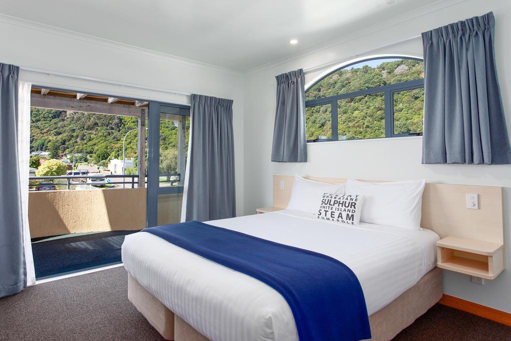 9 Best Romantic Accommodation in Whakatane