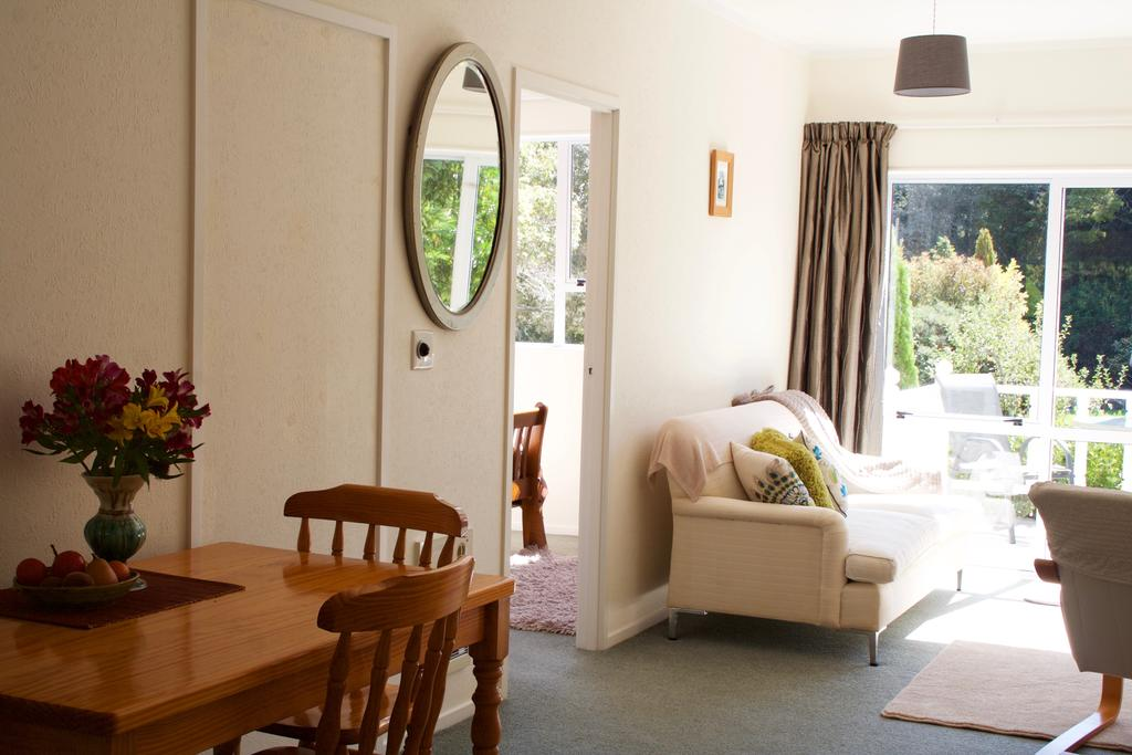 10 Best Romantic Accommodation in Takaka