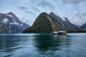 5 Romantic Activities in Milford Sound for Couples