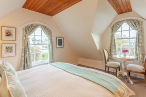 10 Best Romantic Accommodation in Akaroa