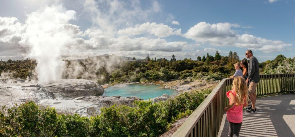 North Island Family Itinerary: One Week / 7 Days